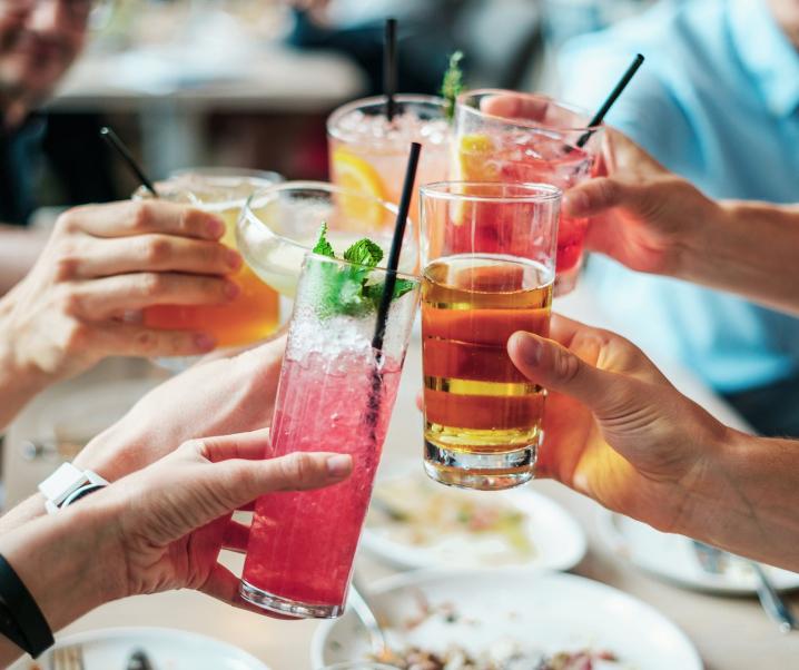 Alkohol kann der Leber bereits in der Jugend erheblichen Schaden zufügen
