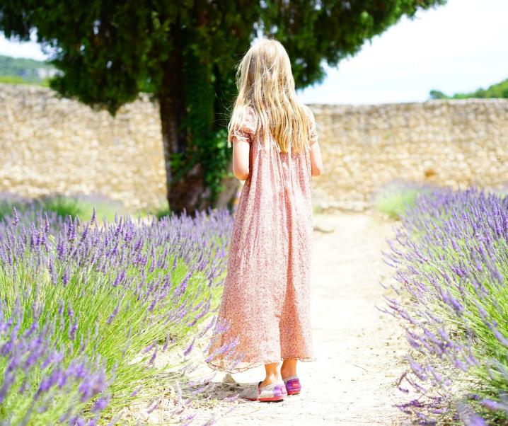 Dieses Öl fördert abnormales Brustwachstum bei jungen Mädchen