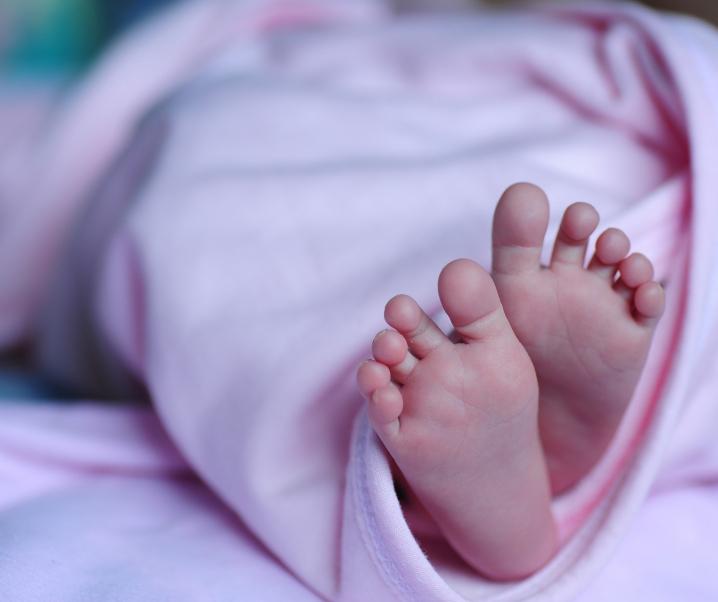 Kaiserschnitt-Kinder verfügen über mehr schlechte Bakterien