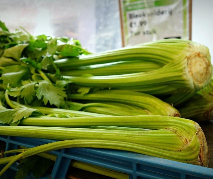 Sellerie: Was steckt hinter dem Hype um den grünen Saft?