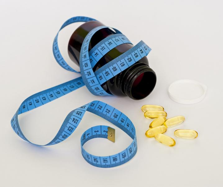 Ungewollt schwanger durch Diäten – Diese Risiken bergen Abnehmpillen und Co.