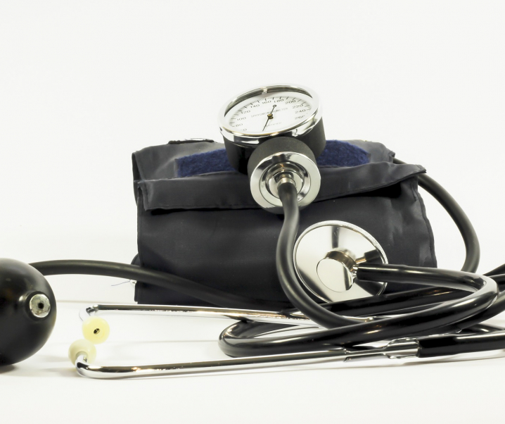 Bluthochdruck beeinträchtigt geistige Funktionen bereits in jungen Jahren