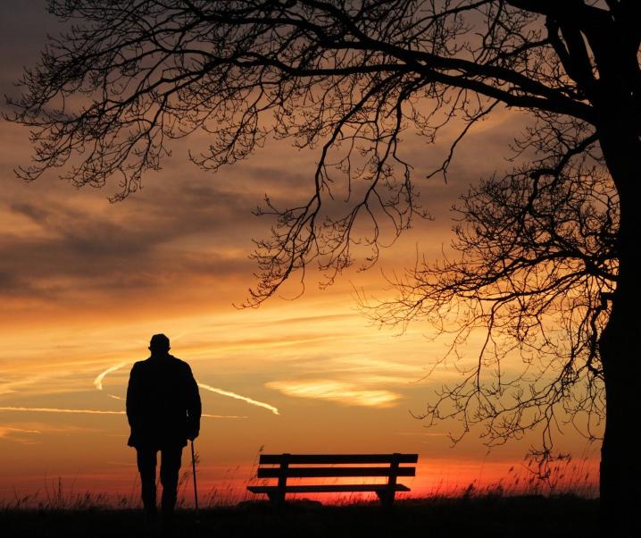 Coronakrise: Einsamkeit treibt Zahl der Klinikeinweisungen in die Höhe