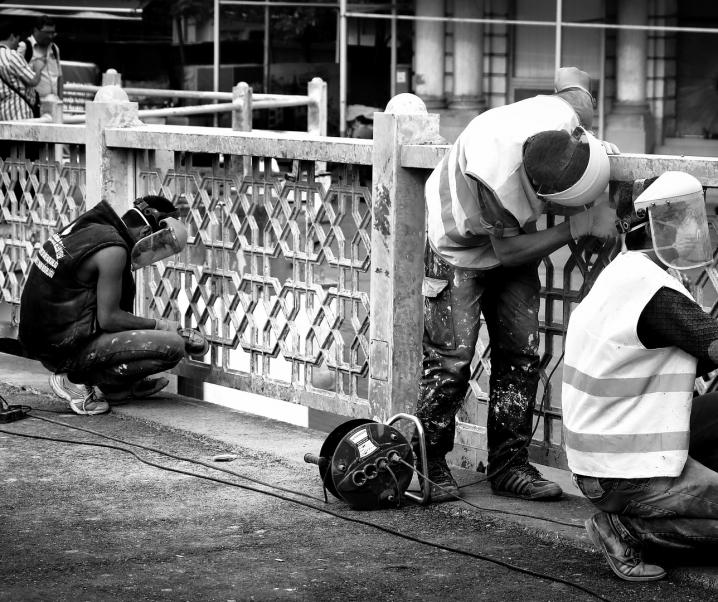 Lässt schwere körperliche Arbeit Betroffene früher sterben?