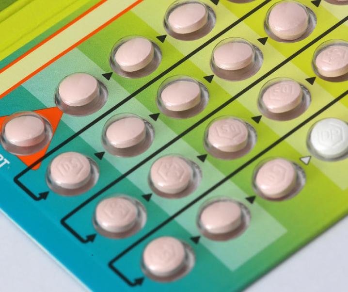 Keine Periode dank Pille – Kann das gesund sein?