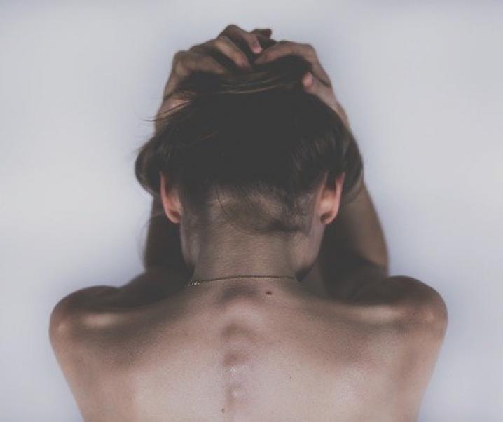 Gehirnerschütterung: Langfristige Beeinträchtigung von kognitiver Leistungsfähigkeit und Sozialverhalten