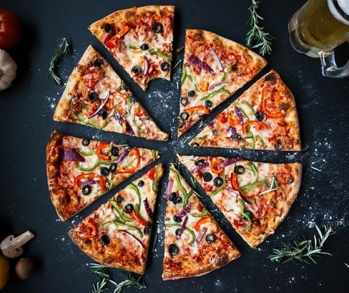 So viel Pizza, wie Sie möchten: Gelegentlich exzessiv essen ohne Folgen