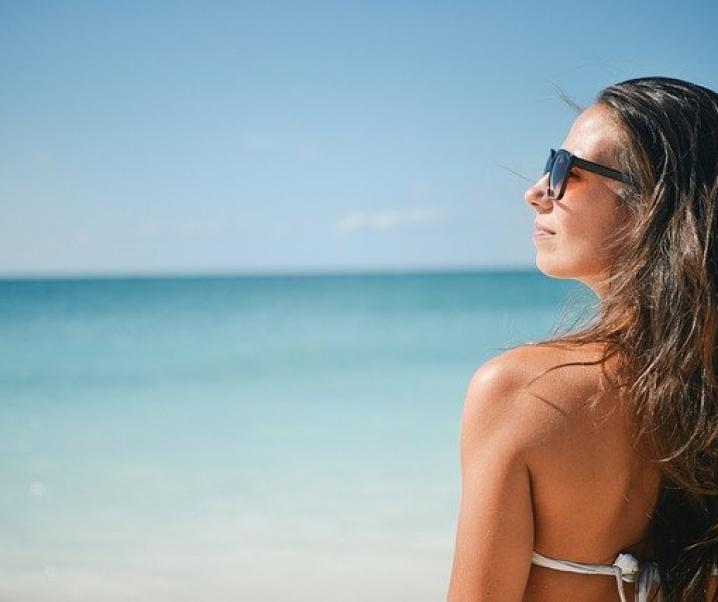Sonnenallergie: Was tun gegen Mallorca-Akne?
