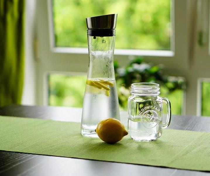 7 Gründe, den Tag mit Zitronenwasser zu starten