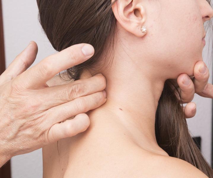 Wenn der Nacken knackt – Ein Grund zur Sorge?
