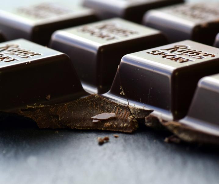 Grüner Tee und dunkle Schokolade: Mit Genuss aktiv gegen Corona