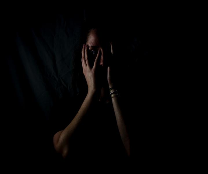 Covid-19 kann zu schweren psychischen Störungen führen