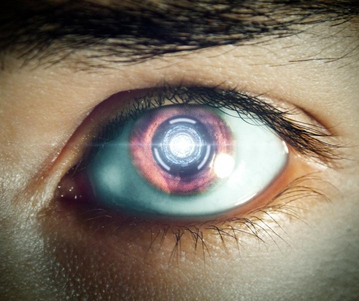 Das ist die Zukunft: Wie Kontaktlinsen bald Krebs erkennen und Medikamente verabreichen