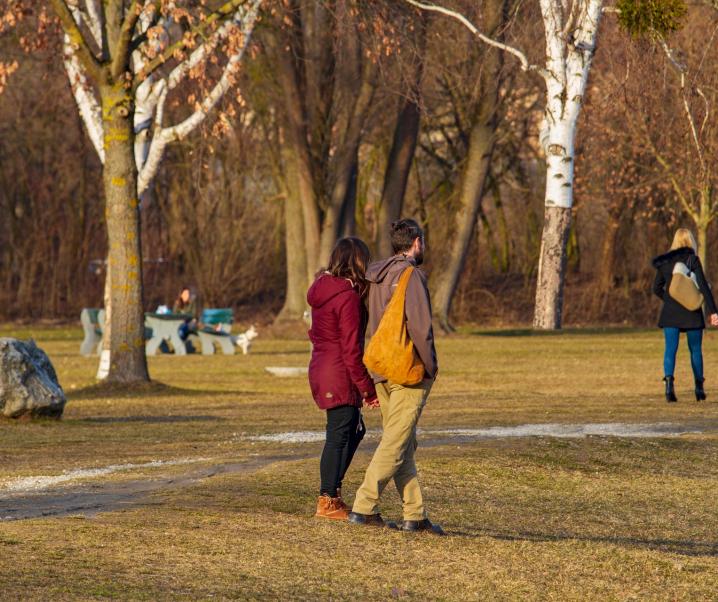 Täglicher Spaziergang: Warum uns eine frische Brise gerade jetzt guttut