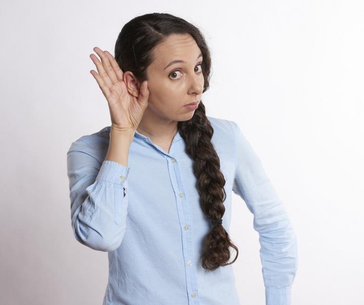 Neue Erkenntnis Covid-19: Auch die Ohren können Schaden nehmen