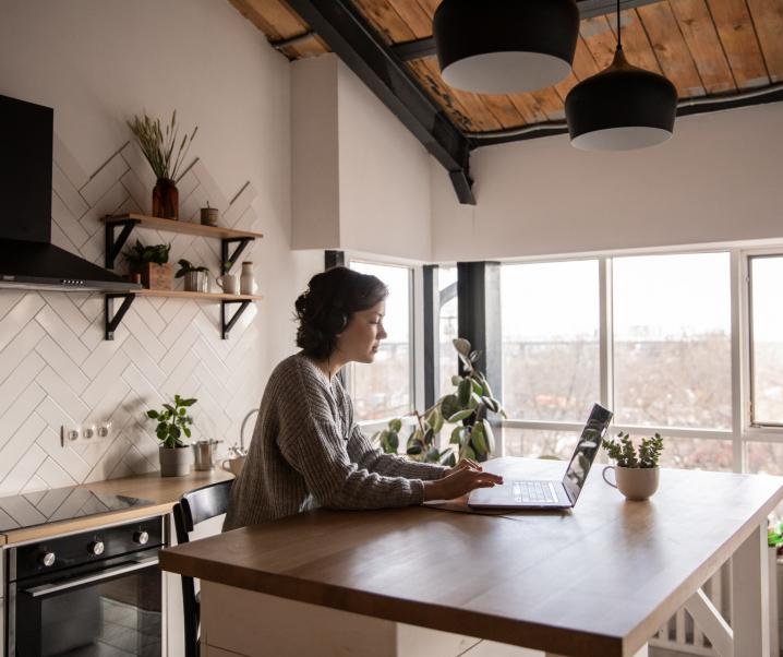 Heißhunger im Home Office? Mit diesen Tipps widerstehen Sie der Snack-Falle
