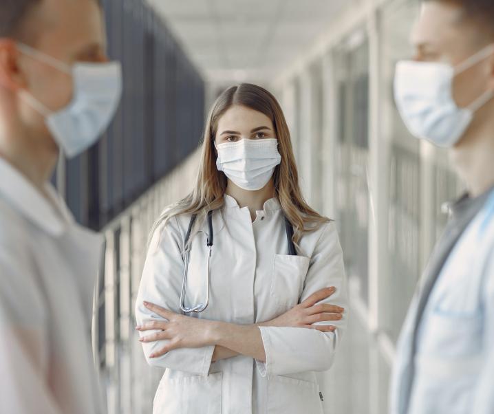 Corona-Infektion am Arbeitsplatz: So sind Sie im Falle von Spätfolgen abgesichert