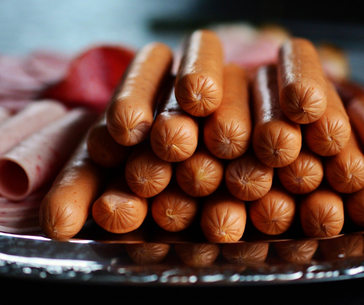 Verarbeitetes Fleisch: Schadet regelmäßiger Konsum der Kognition?