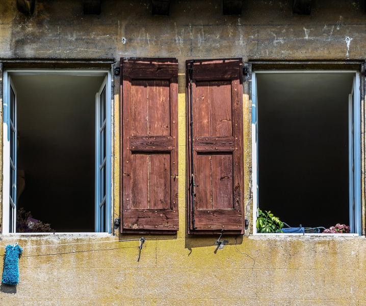 Covid-19: Ansteckungsgefahr lauert hauptsächlich in geschlossenen Räumen