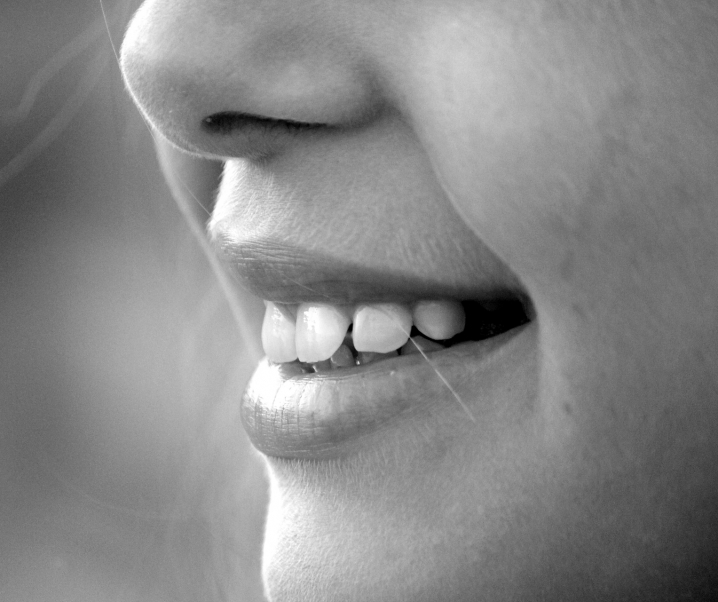 Niederländische Forschung: Mundbakterien als Auslöser für rheumatoide Arthritis?