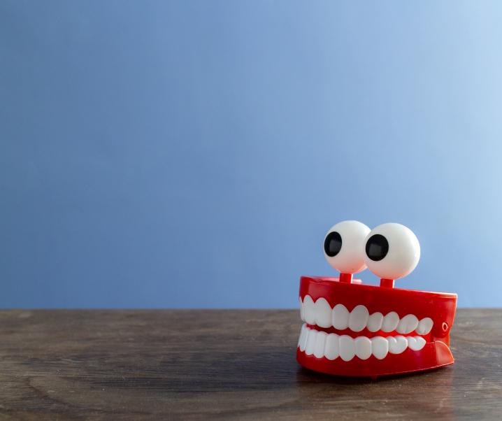 Parodontitis: Zahnfleischschwund erhöht Demenzrisiko