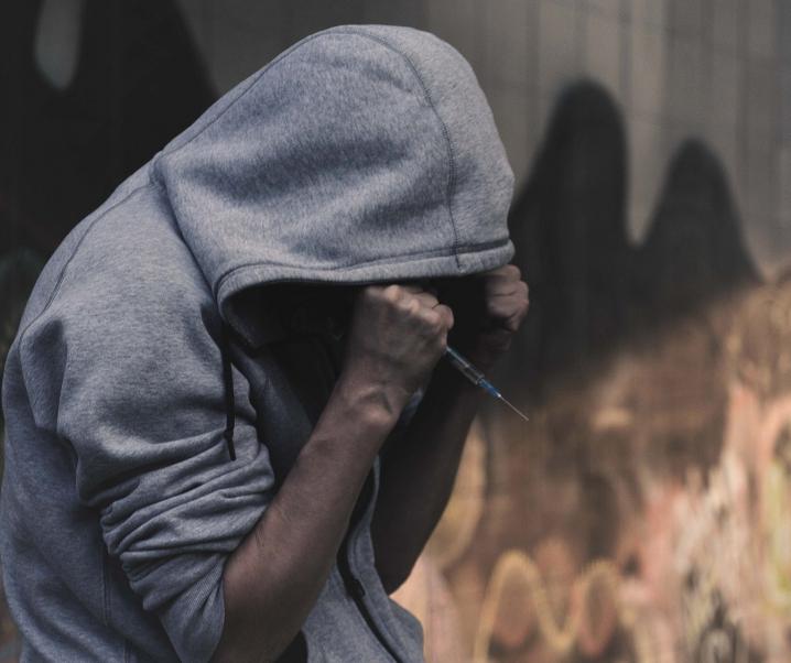 Alternativer Drogen- und Suchtbericht: Experten fordern drastische Veränderungen der Politik