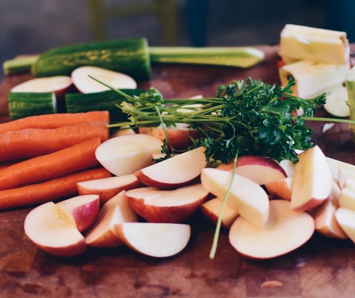 Hohes Cholesterin: So kann gesunde Ernährung eingreifen